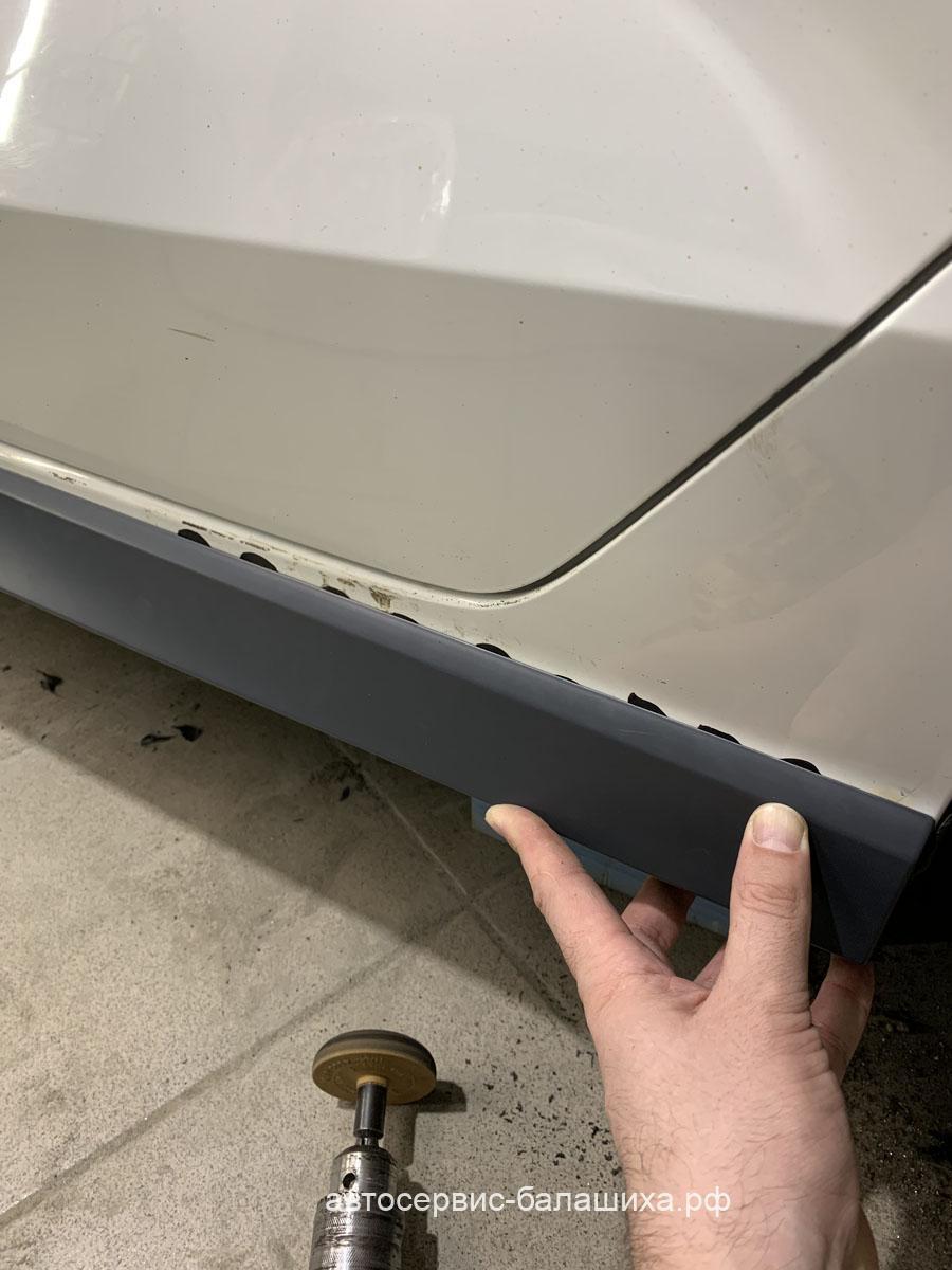 Audi А3 произведен кузовной ремонт и окрас задней левой двери и заднего левого крыла.
