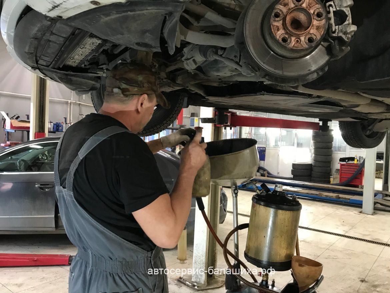 BMW 116i замена масла моторного и профилактика тормозов