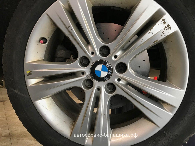 BMW 320d замена тормозных дисков.